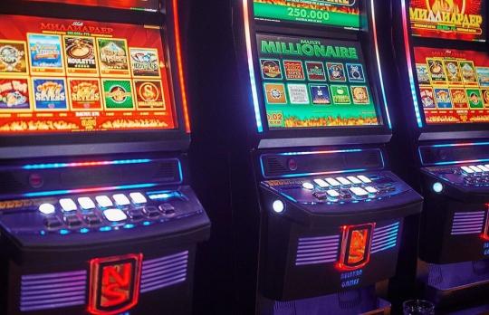 В Украине начали закрывать игровые автоматы под видом лотерей